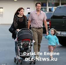 Элисон Ханниган и ее супруг Алексис Денисоф стали мамой и папой дважды